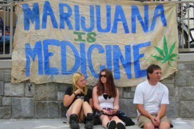 Studie: Cannabis verringert den Griff zur Flasche